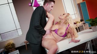 Angel Wicky Amateur porn screenshot 3